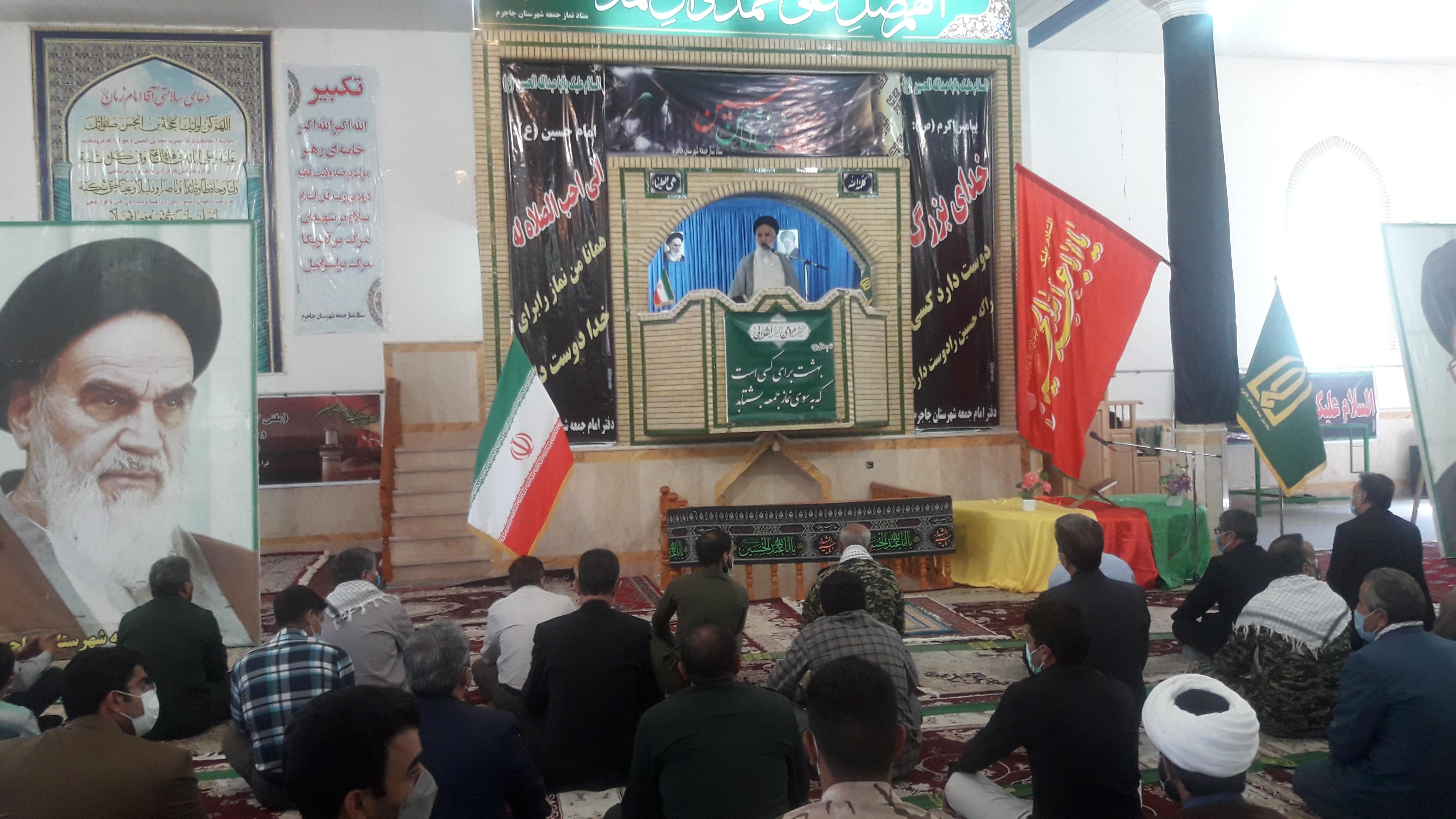 دفاع مقدس باعث صدور انقلاب اسلامی شد