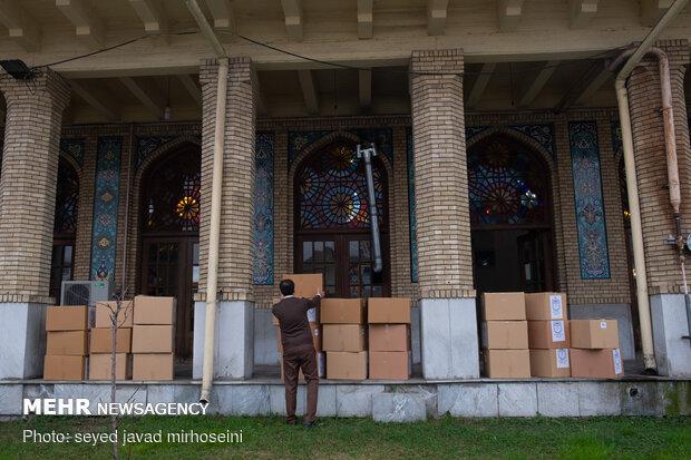 ۳۰۰ بسته معیشتی بین نیازمندان بجنورد توزیع شد,خراسان شمالی+بجنورد+بسته معیشتی+بهنام قدسی+مسجد امام رضا