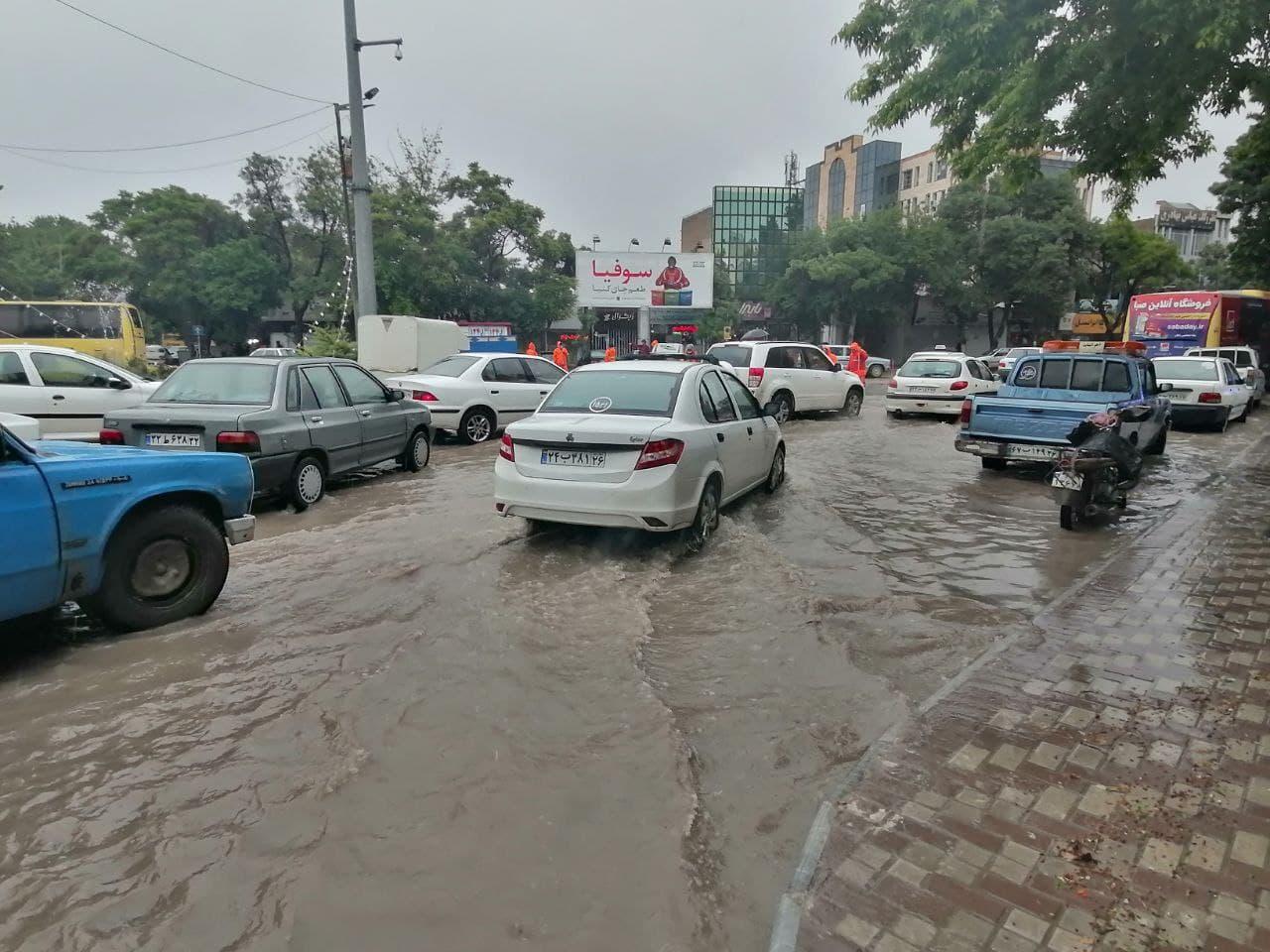داستان تکراری آبگرفتگی خیابان های اصلی شهر بجنورد پس از بارش باران|2839084