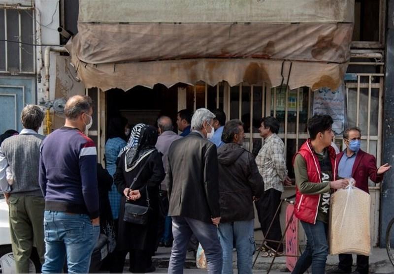 تنور داغ کرونا در صف های نان/فروش آرد و نان خارج از شبکه، دلیل صف های طولانی نانوایی ها