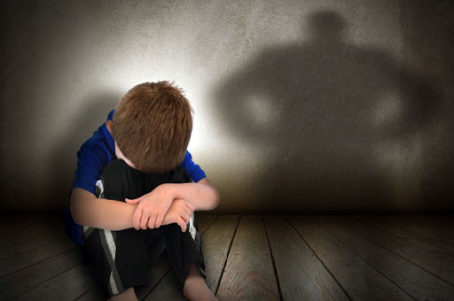 آسیب های جسمانی، عاطفی و اجتماعی پیامد خشونت علیه کودکان